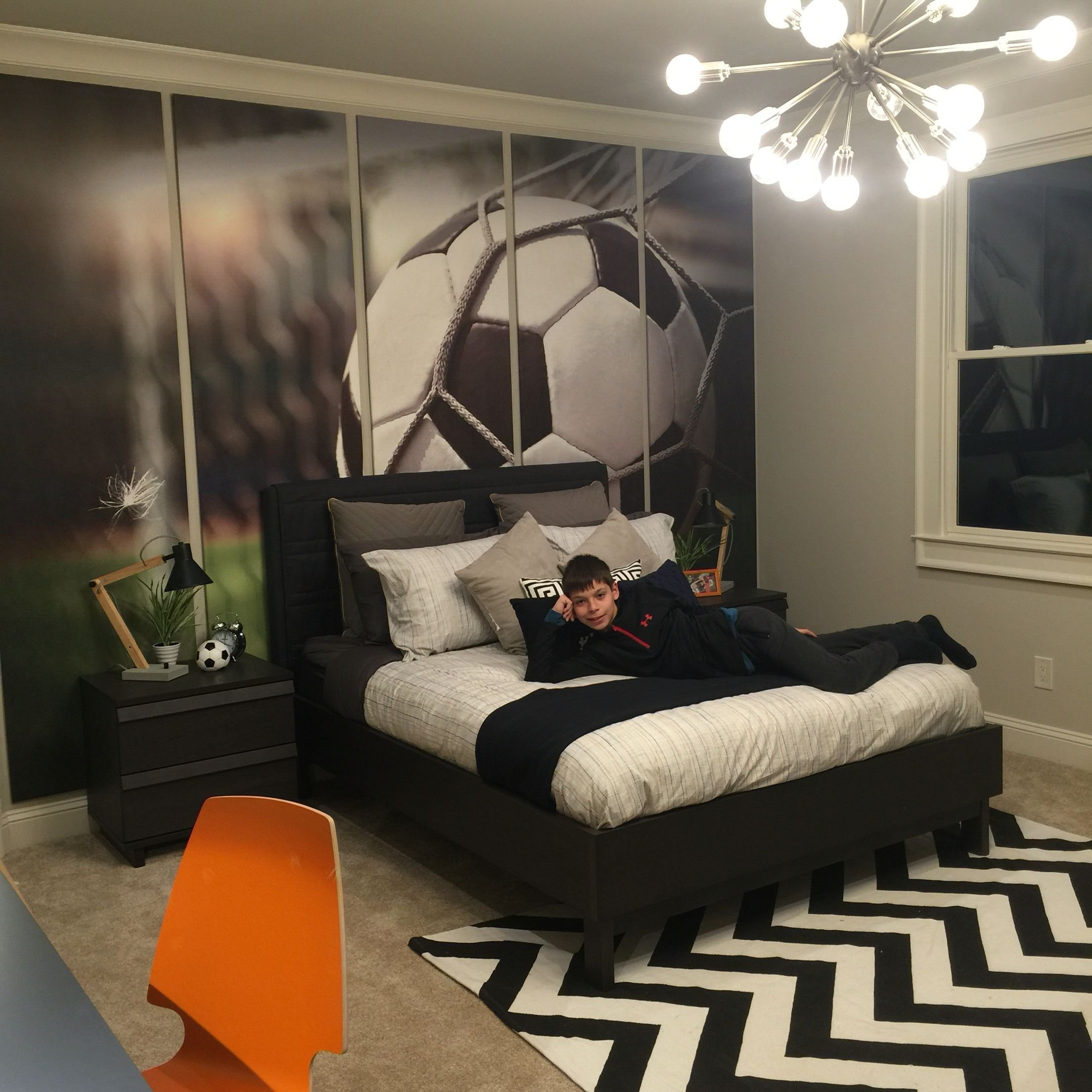Best Pre T**N Boy Soccer Enthusiast Bedroom Preteenbedroom Soccer Bedroom… Aiden Or Kian S With Pictures