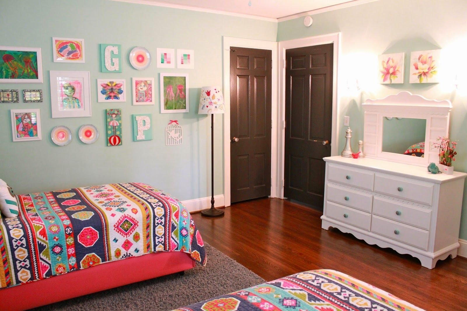 Best Home Transformation The Girls Room Update Girls Room With Pictures