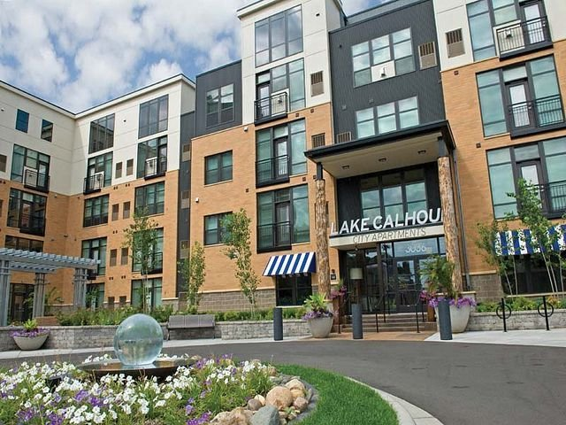 Best Lake Calhoun City Apartments In Uptown Minneapolis Mn Has With Pictures