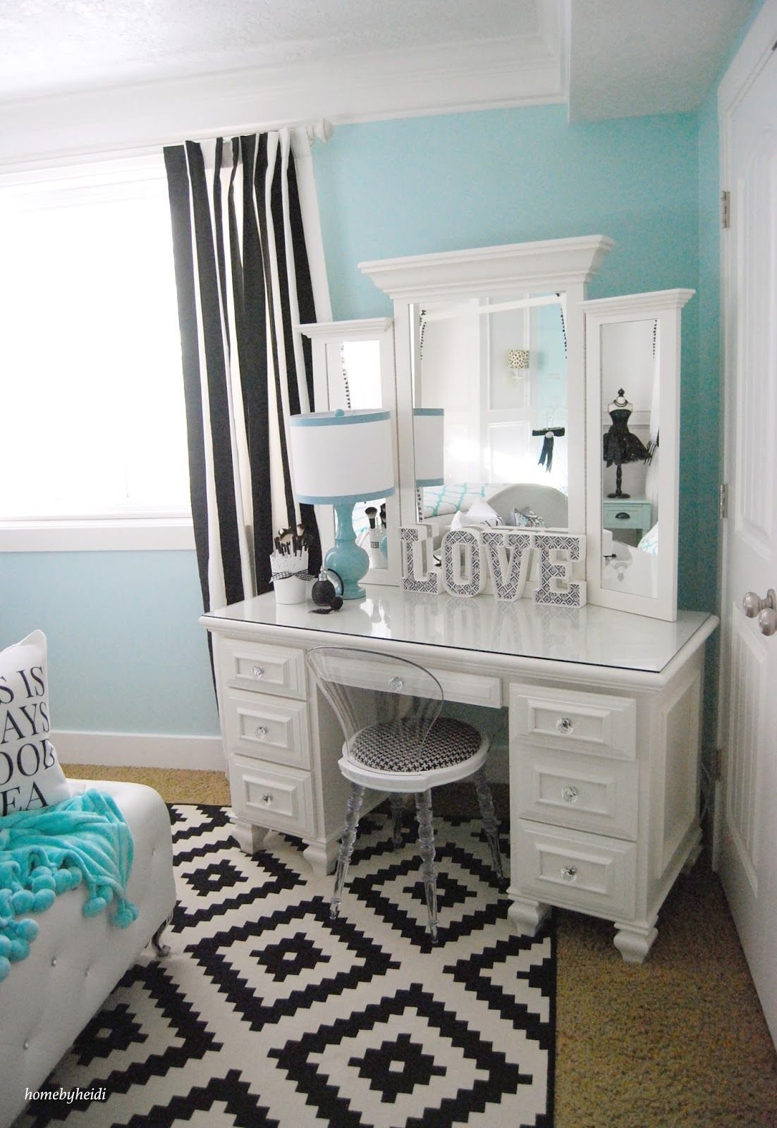 Best Pretty Vanity Vanity Ideas Tiffany Inspired Bedroom With Pictures