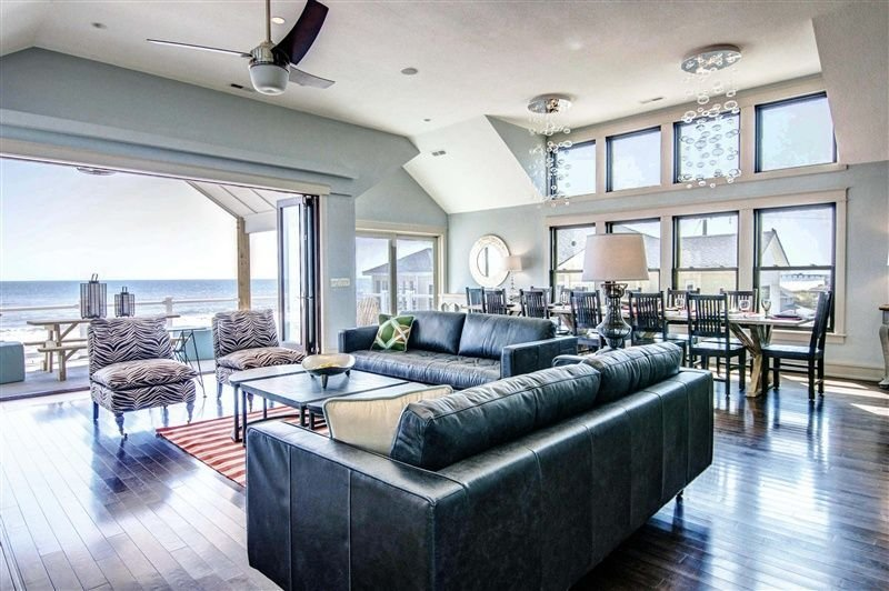 Best Soul Surfer 099 L Modern Great Room Overlooking The With Pictures