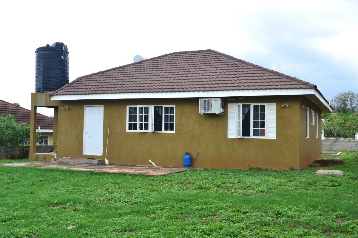 Best 3 Bedroom 2 Bathroom House For Sale In St Catherine With Pictures
