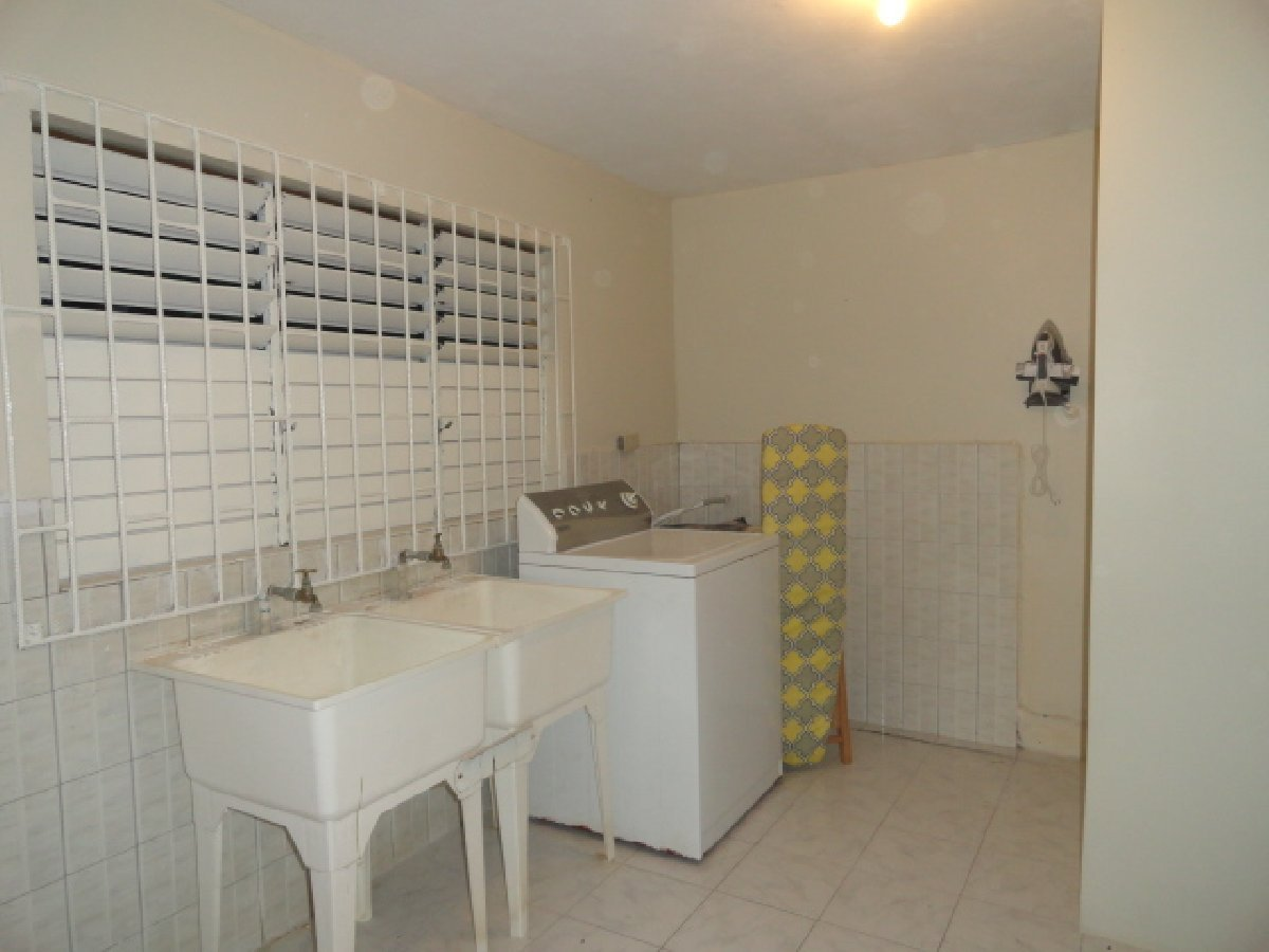 Best 1 Bedroom 1 Bathroom Fully Furnished For Rent In Montego Bay Coral Garden St James Apartments With Pictures