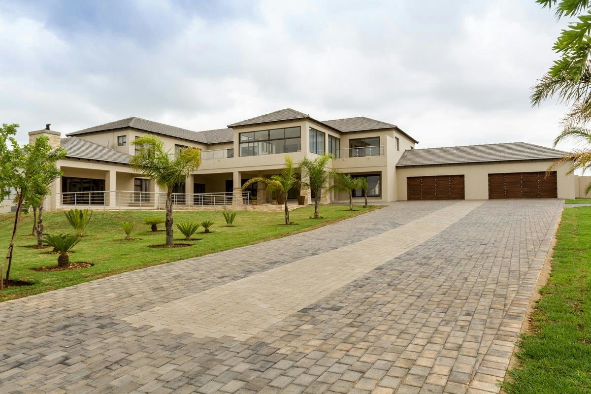 Best 6 Bedroom House For Sale Mooikloof Glen Pt1372964 With Pictures