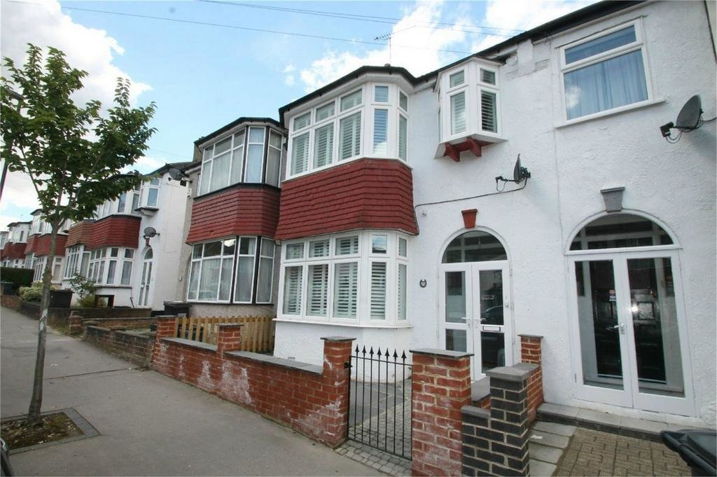 Best Properties For Sale In Croydon Upper Shirley Croydon Surrey Nethouseprices Com With Pictures