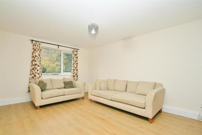 Best 2 Bedroom Apartment To Rent In Hayes Ub3 With Pictures