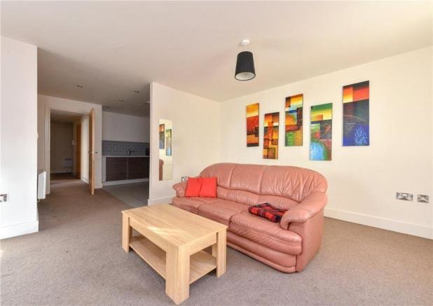 Best 2 Bedroom Flat For Sale In Regal Court Bishopsgate Street With Pictures