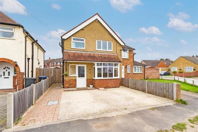 Best 3 Bedroom Detached House For Sale In Chiltern Road With Pictures