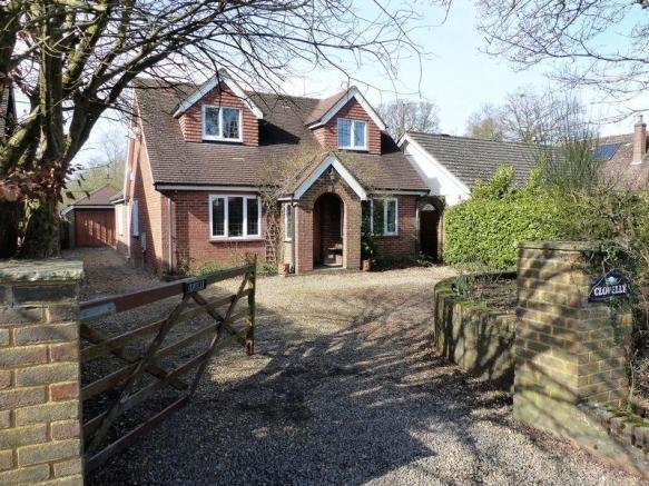 Best 3 Bedroom Detached House For Sale In Guildford Road With Pictures