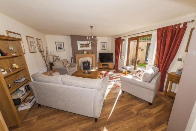 Best 2 Bedroom Detached Bungalow For Sale In Halifax Hx2 Hx2 With Pictures