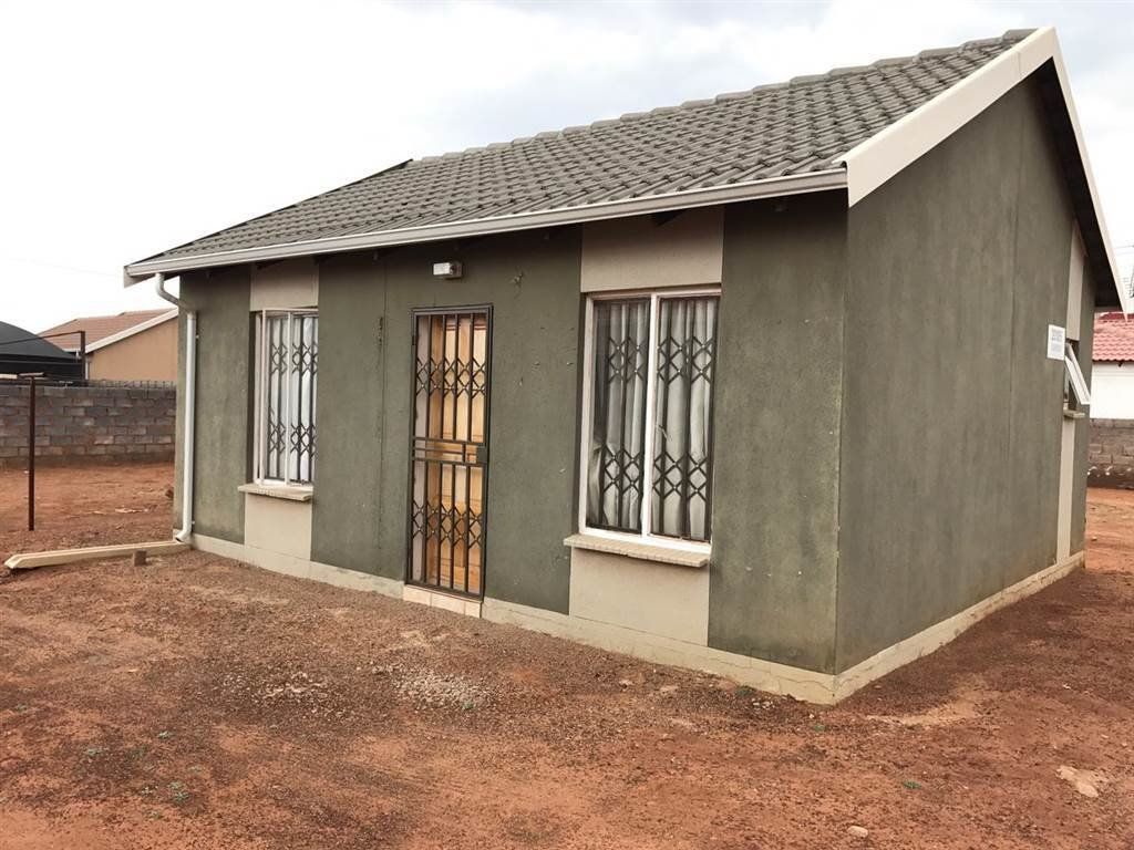 Best 2 Bedroom House To Rent In Protea Glen Rr1430710 With Pictures