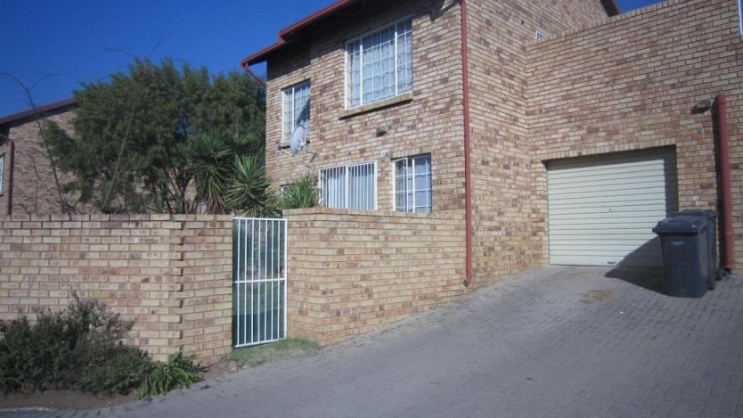 Best 3 Bedroom Apartment To Rent In The Reeds Centurion With Pictures