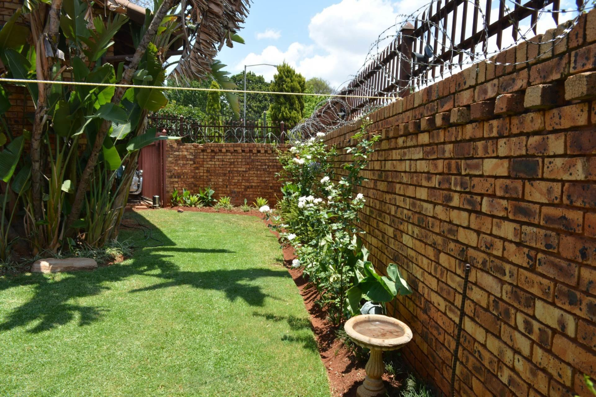 Best Townhouse To Rent In Newlands 3 Bedroom 13573637 10 1 With Pictures