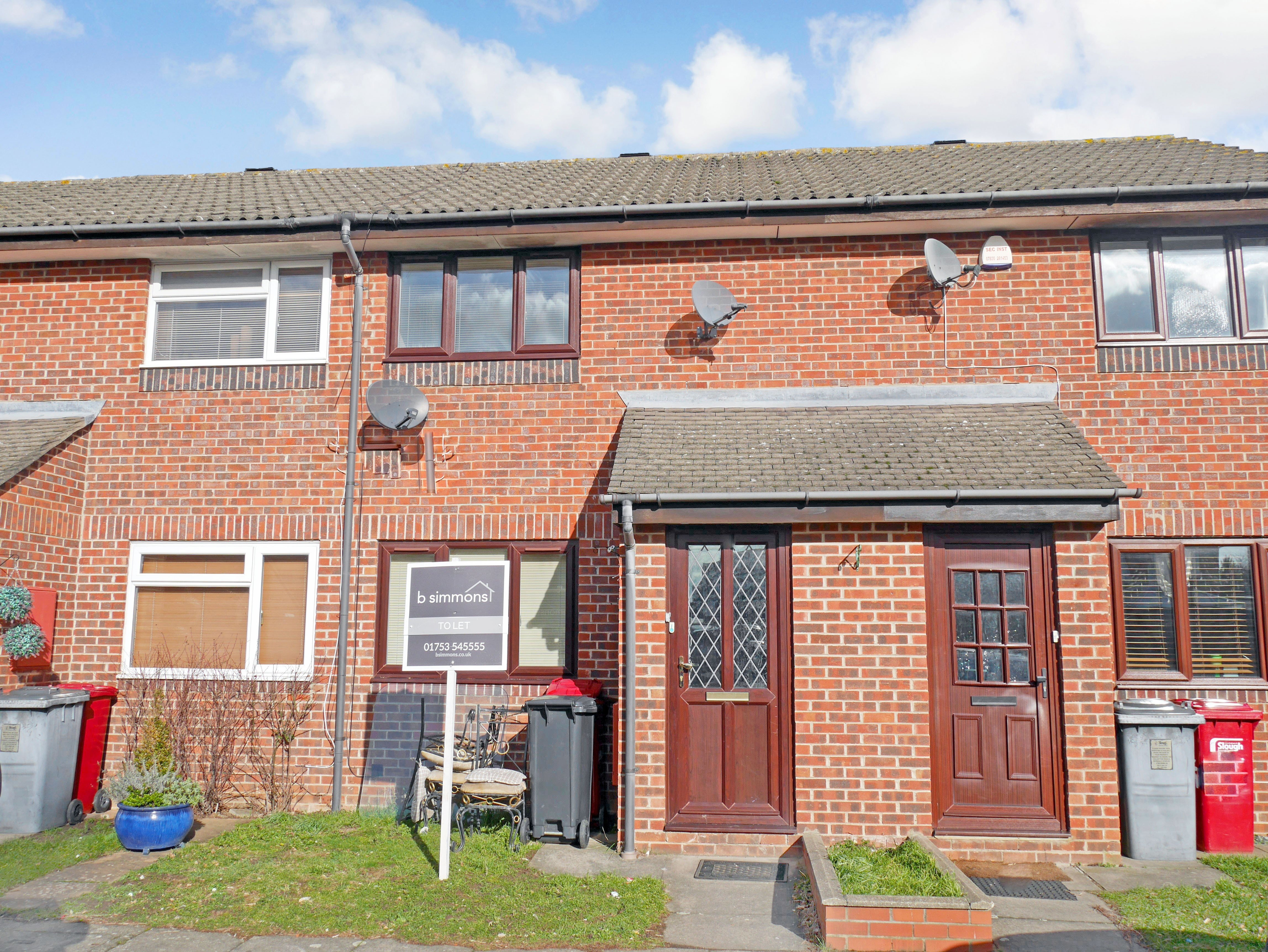Best 2 Bedroom End Of Terrace House For Rent In Slough With Pictures