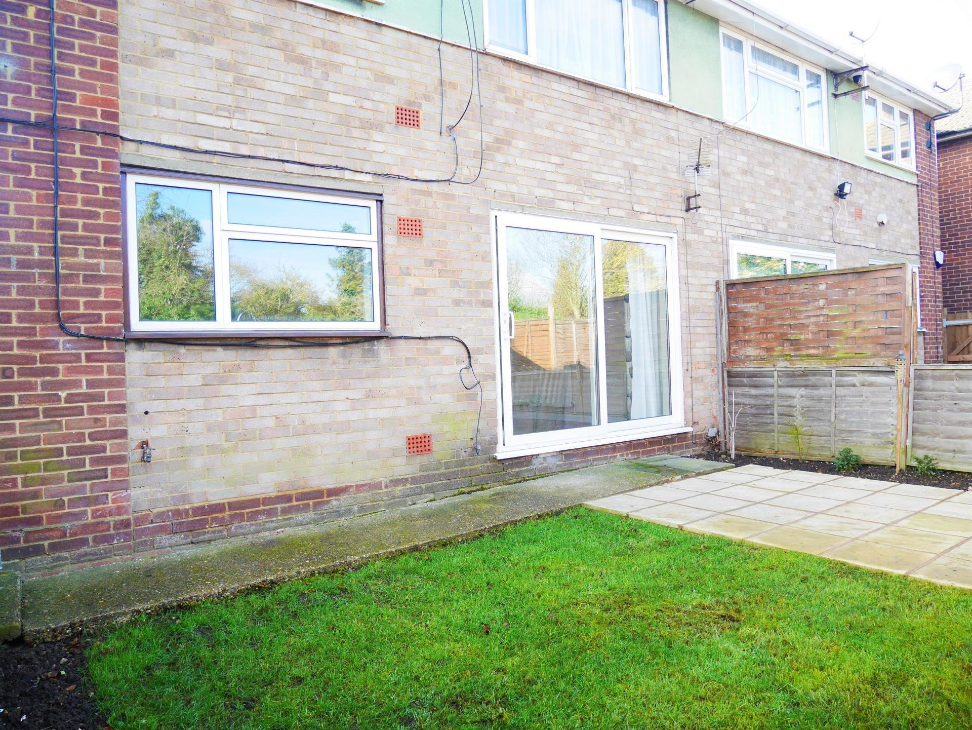 Best 2 Bedroom Ground Flat For Sale In Slough With Pictures