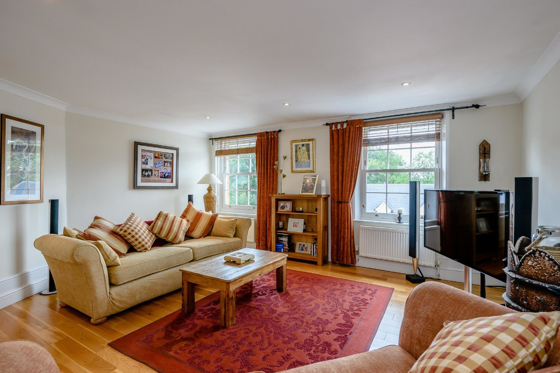 Best 2 Bedroom Apartment For Sale In Colchester With Pictures