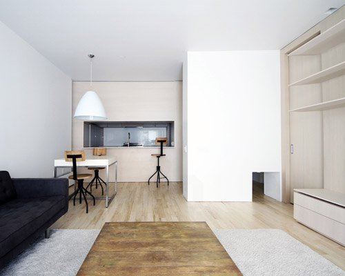 Best Yuuki Kitada Renovates Three Bedroom Apartment In Brooklyn With Pictures