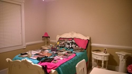 Best Need Help Redesigning My 20 Year Old Daughters Bedroom With Pictures