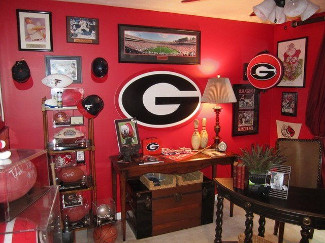 Best Georgia Bulldog Fan Office Aka Man Cave Traditional With Pictures