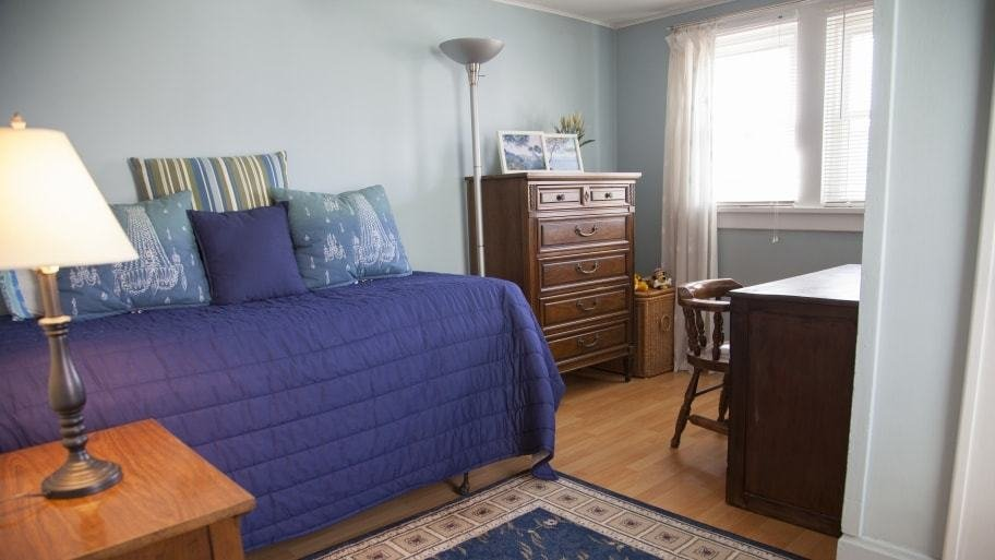 Best How Much Does It Cost To Paint A Bedroom Angie S List With Pictures