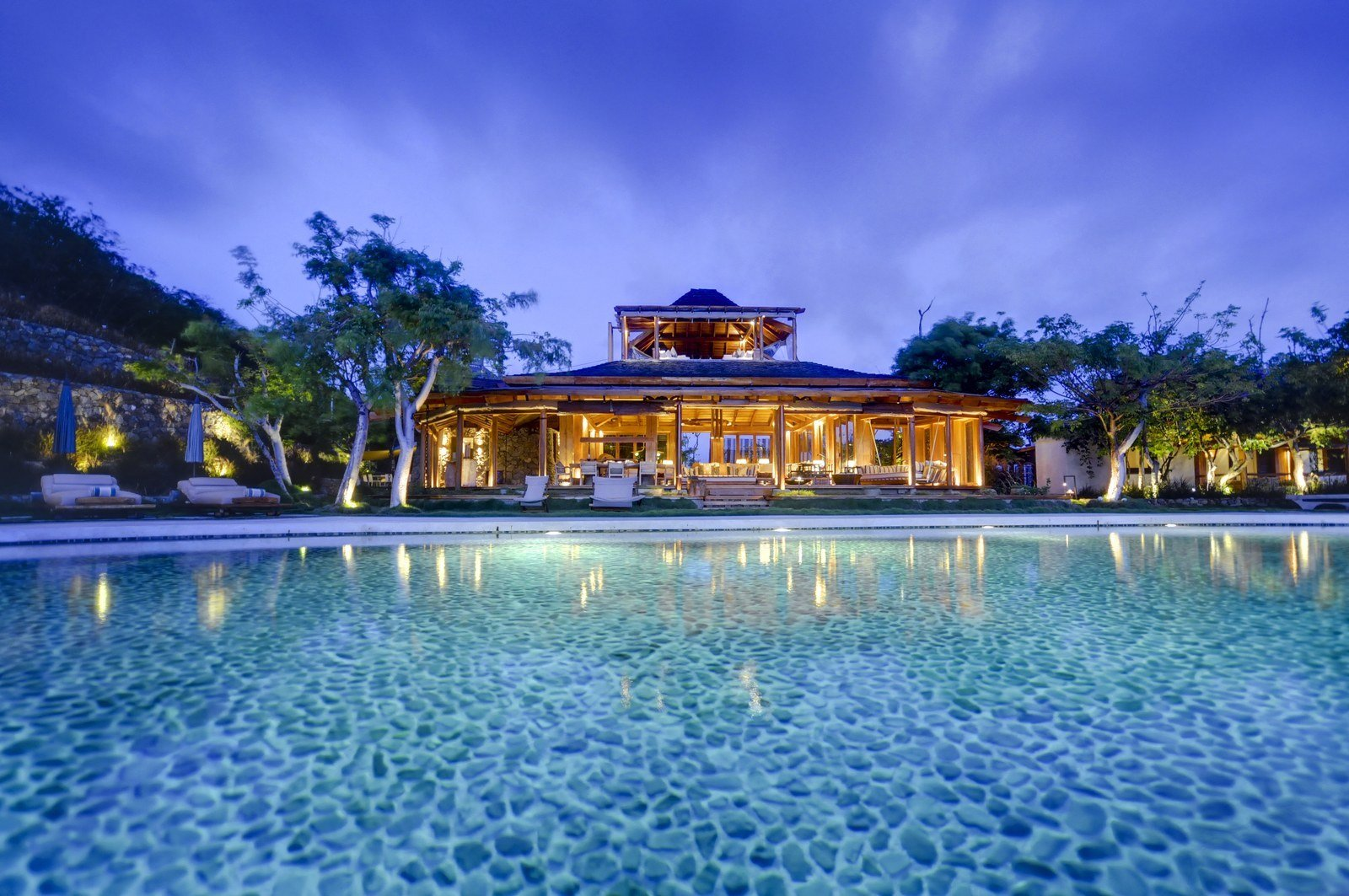 Best 8 Stunning Villas On Mustique Island You Can Rent With Pictures