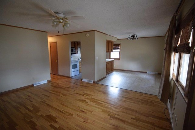 Best For Rent 3 Bedroom House Basement Garage Tct Classifieds With Pictures