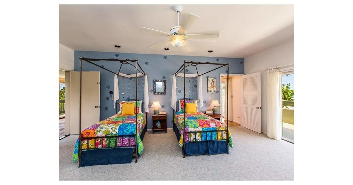 Best We Bet Sasha And Malia Hung Out In This Colorful Bedroom With Pictures