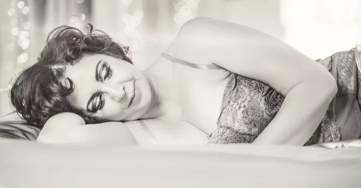 Best Woman With Cancer Poses In Boudoir Photos Popsugar Love With Pictures