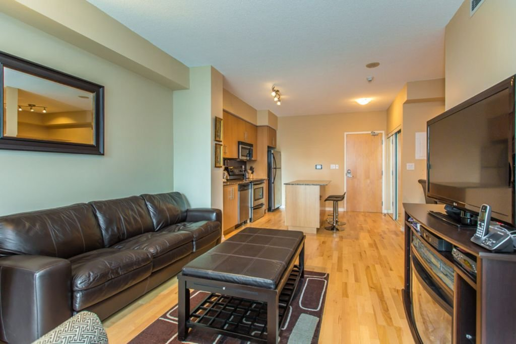 Best Corporate One Bedroom Den Condo Located Downtown Toronto With Pictures
