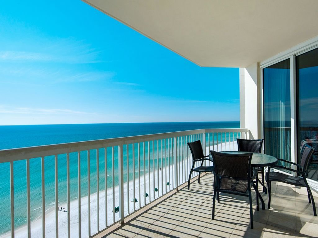 Best Luxury 2 Bedroom Beachfront Condo W 4 Comp Beach Chairs Destin With Pictures