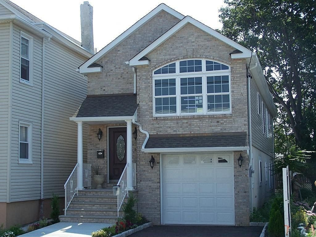 Best 3 Bedroom 2 Bath House W Parking 15 Minutes Away From Nyc With Pictures