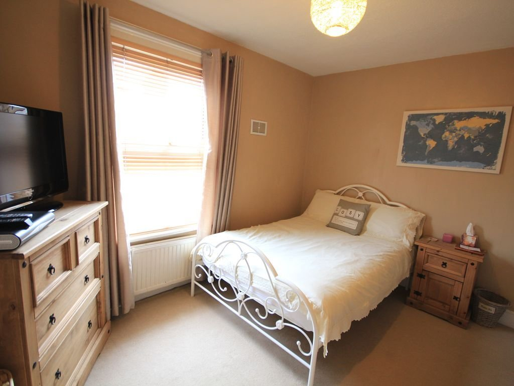 Best Cosy 2 Bedroom House In Caversham Reading With Pictures