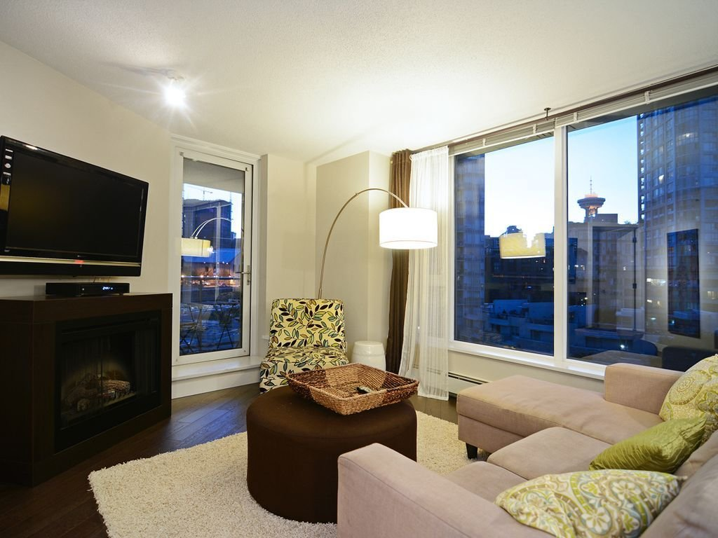 Best Luxurious 2 Bedroom Condo Great Downtown Location Vancouver With Pictures