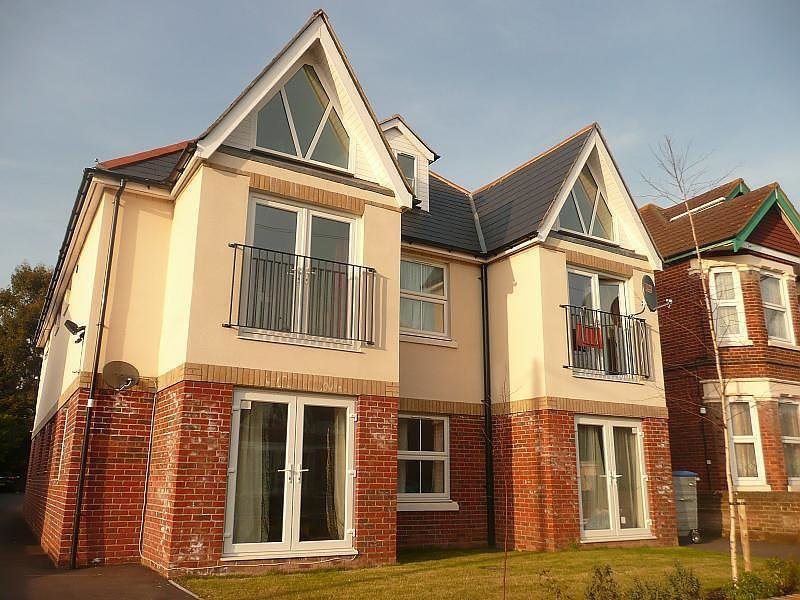 Best 2 Bedroom Flat To Rent Howard Road Southampton So15 5Bj With Pictures