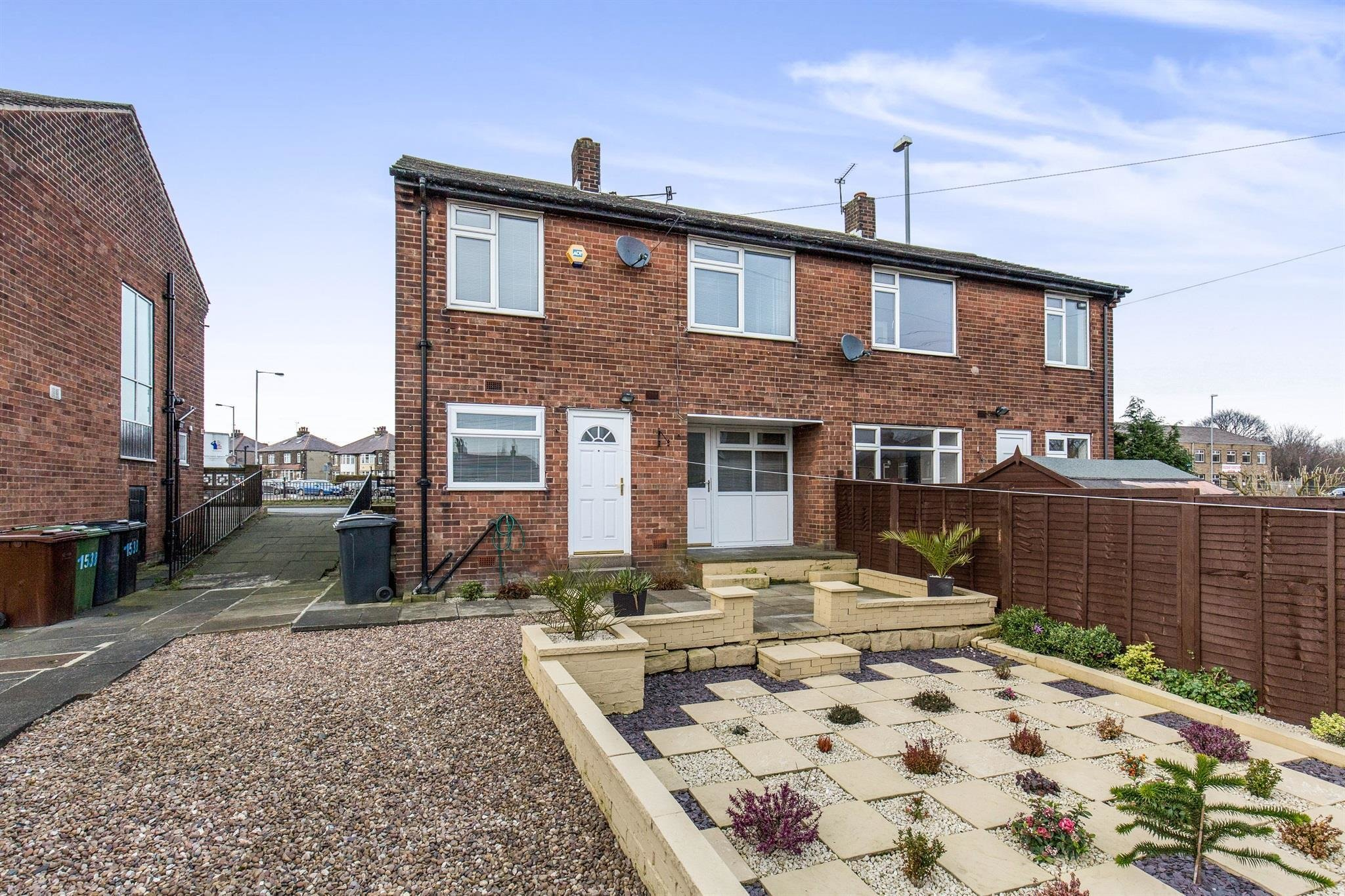 Best 2 Bedroom House To Rent Bradford Road Bradford Bd3 7Ba With Pictures