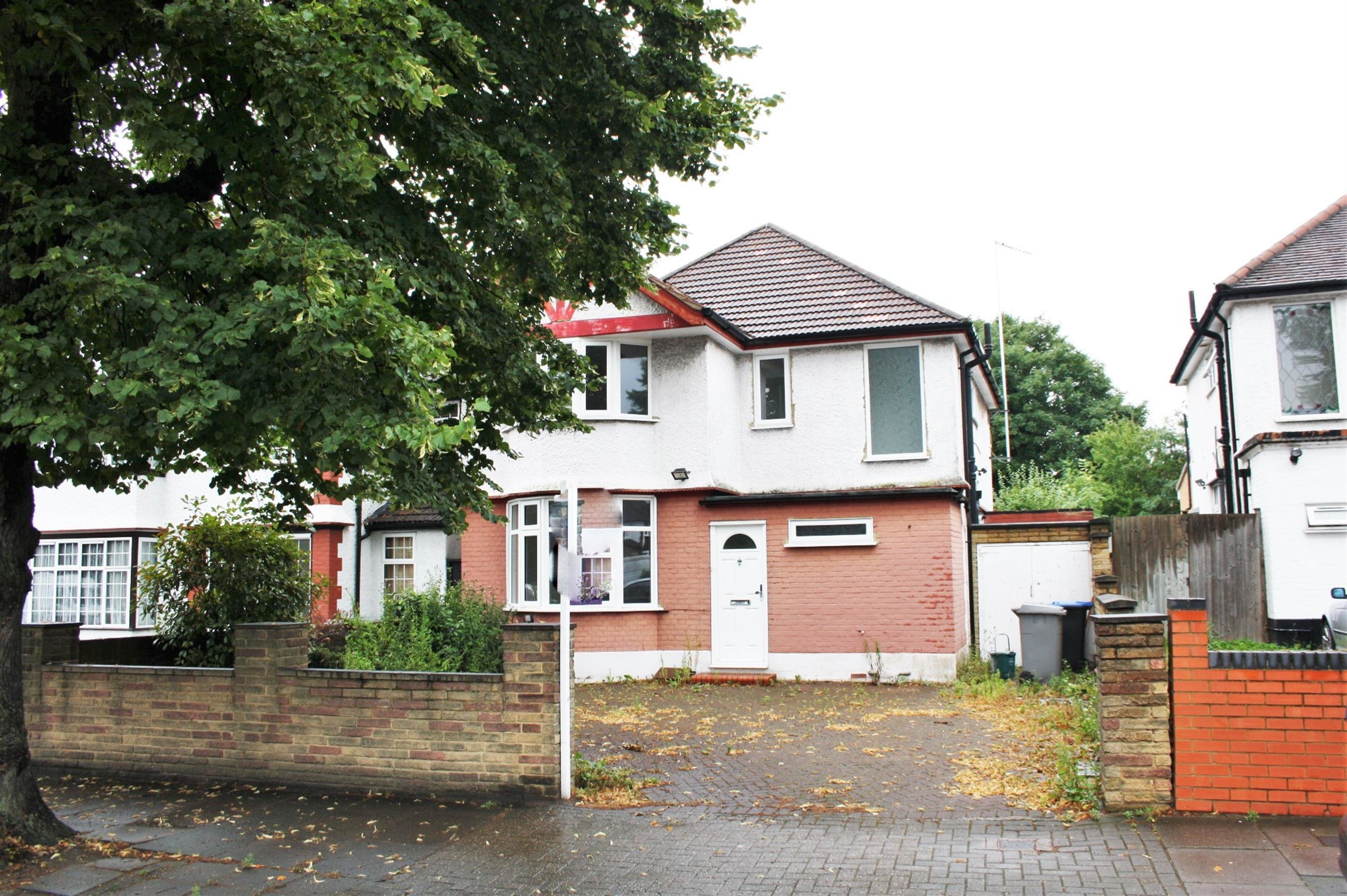Best 3 Bedroom Detached House For Sale Preston Road Wembley With Pictures