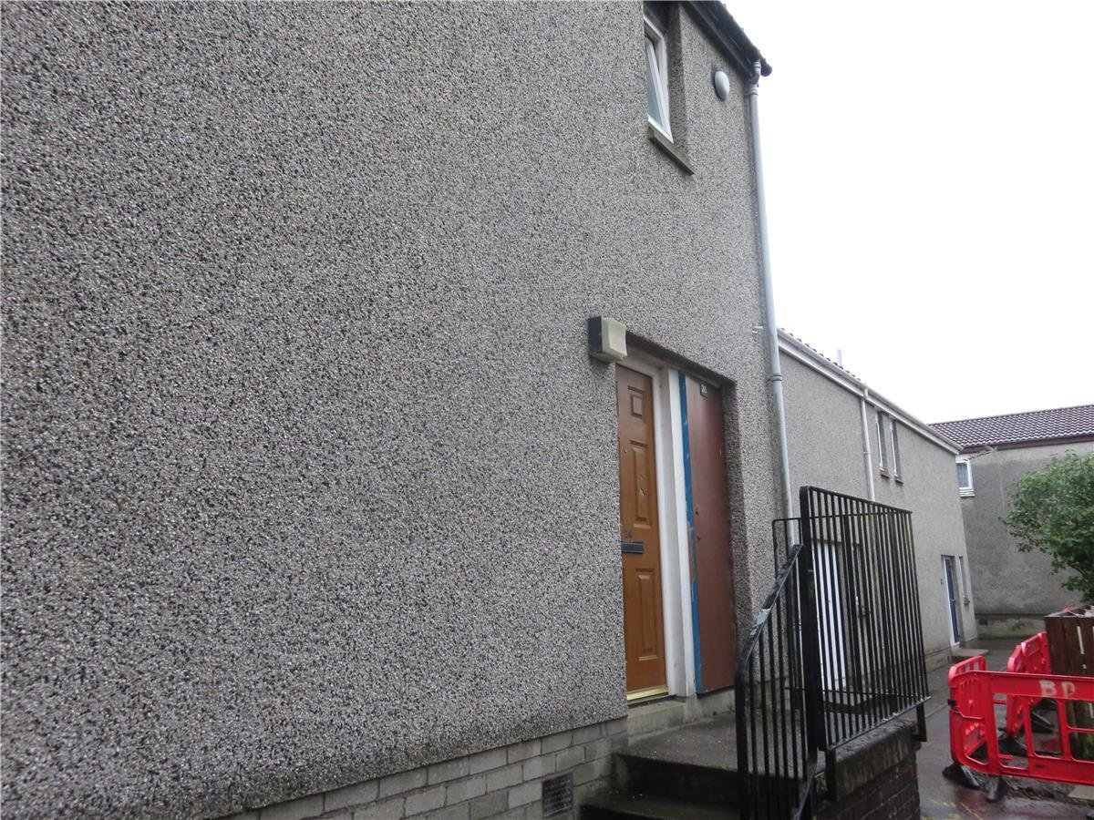 Best 2 Bedroom Terraced House To Rent Huntly Court Kilmarnock With Pictures