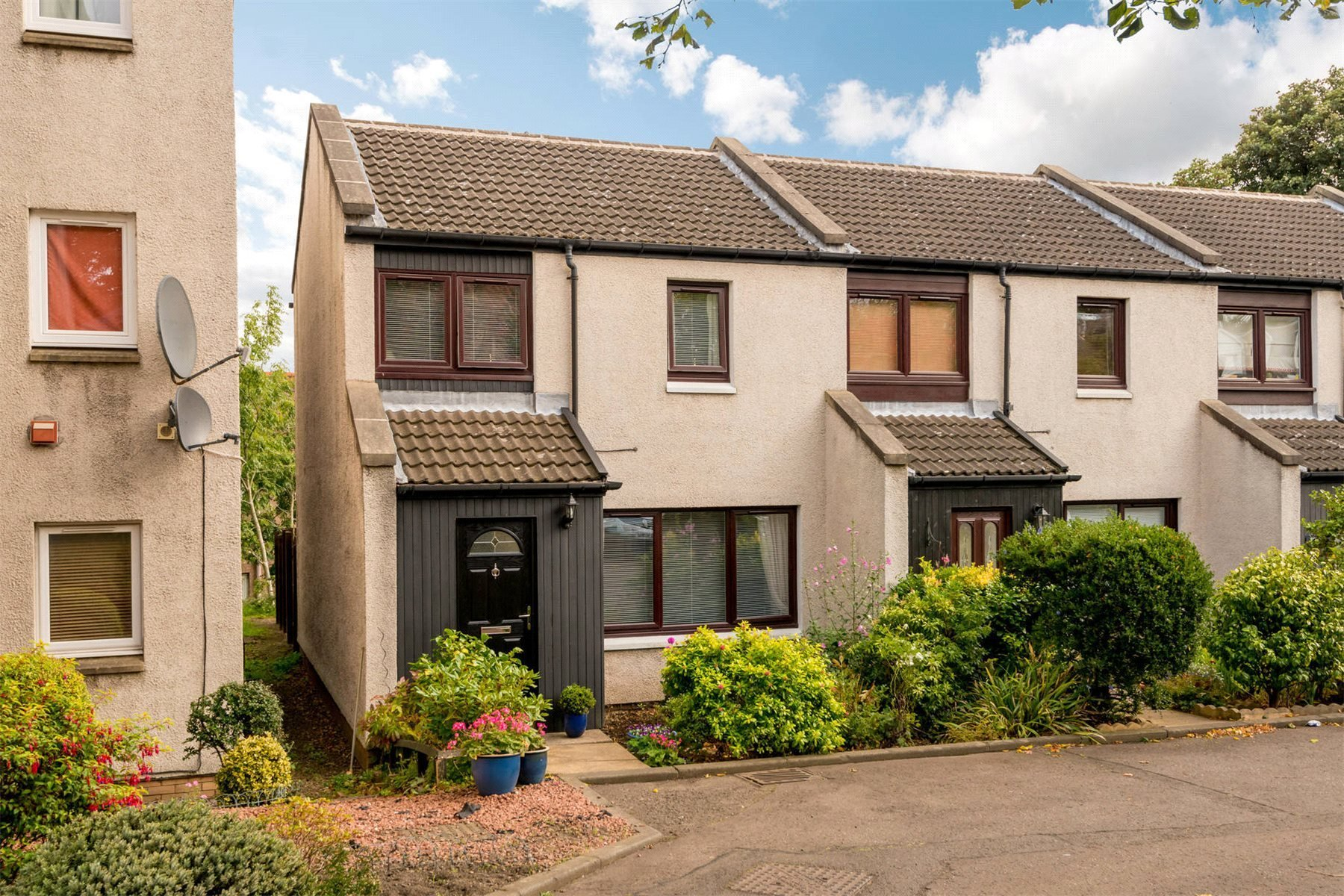 Best 2 Bedroom House For Sale Seacot Leith Links Edinburgh With Pictures