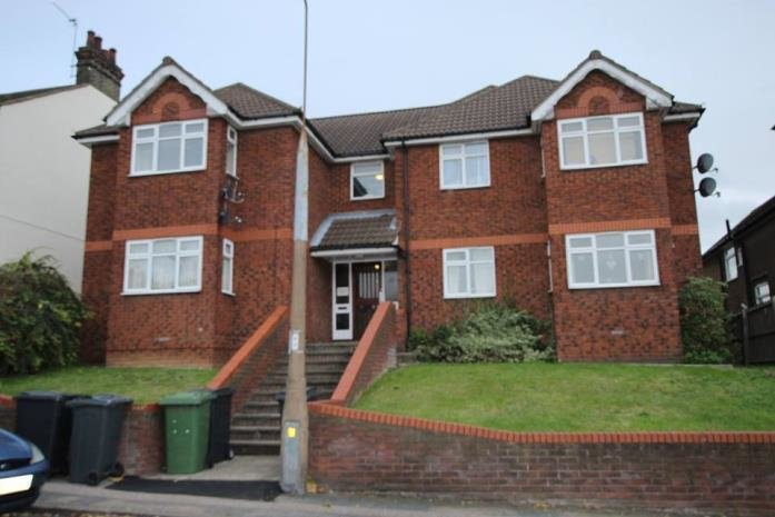 Best 1 Bedroom Flat To Rent Rectory Road Grays Rm Rm17 6Aa With Pictures