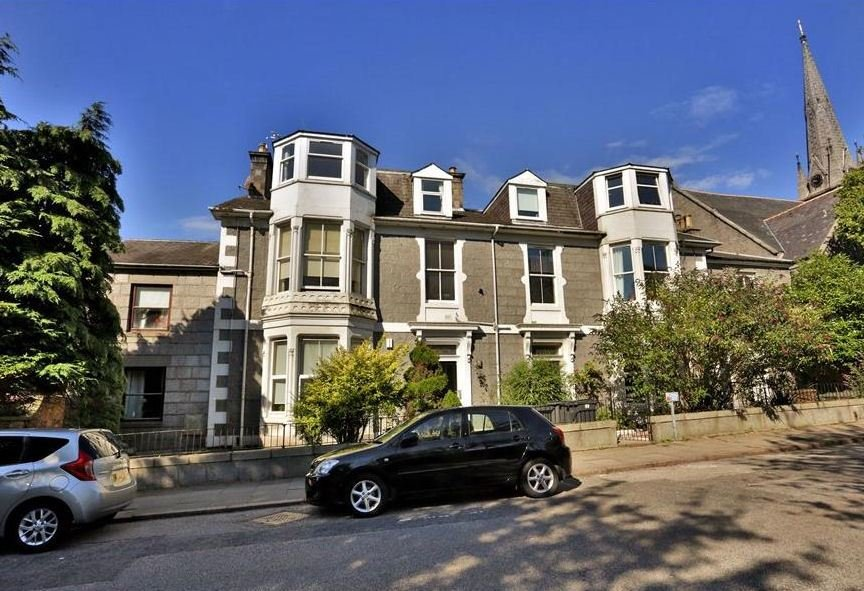Best 2 Bedroom Flat To Rent Polmuir Road City Centre With Pictures