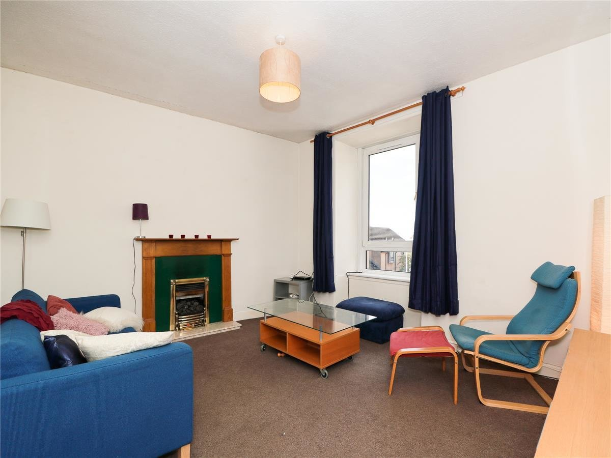 Best 2 Bedroom Flat To Rent Shepherds Loan West End Dundee With Pictures