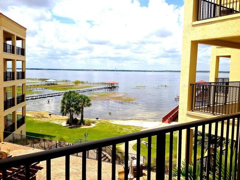 Best Apartment Unit 304 At 2351 Lakeview Drive Sebring Fl 33870 Hotpads With Pictures
