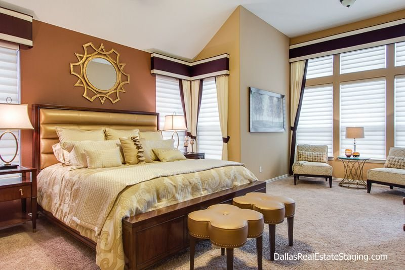 Best Art Deco Master Bedroom With Carpet By Holly Bellomy Zillow Digs Zillow With Pictures