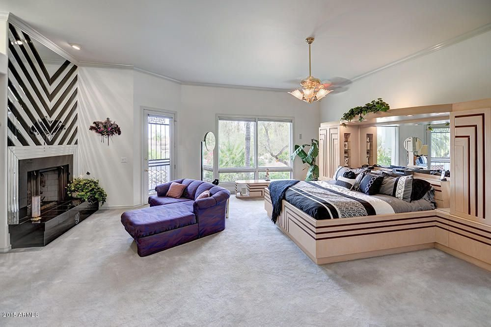Best Art Deco Master Bedroom With Crown Molding High Ceiling In Phoenix Az Zillow Digs Zillow With Pictures