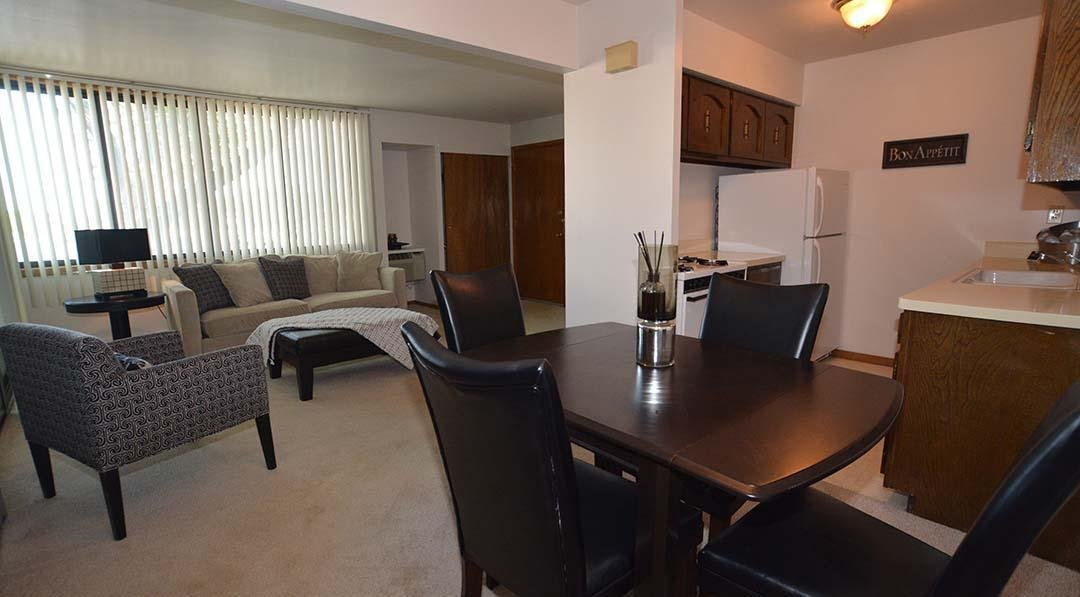 Best Woodland Court Apartments Milwaukee Wi Walk Score With Pictures