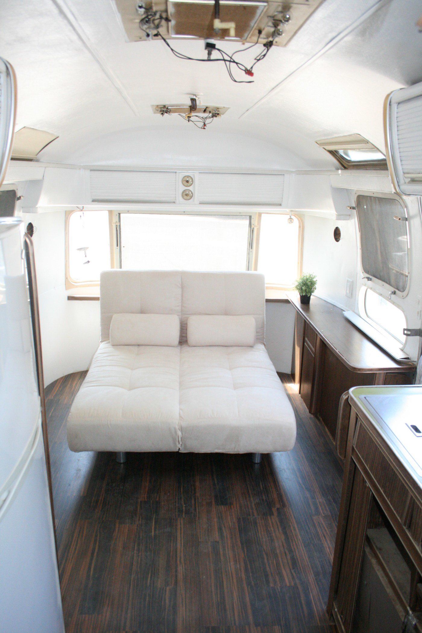 Best Rv Remodel 27 Amazing Rv Remodel Ideas You Need To See Rvshare Com With Pictures