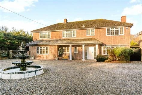 Best Properties To Rent Listed By Parkers Estate Agents With Pictures