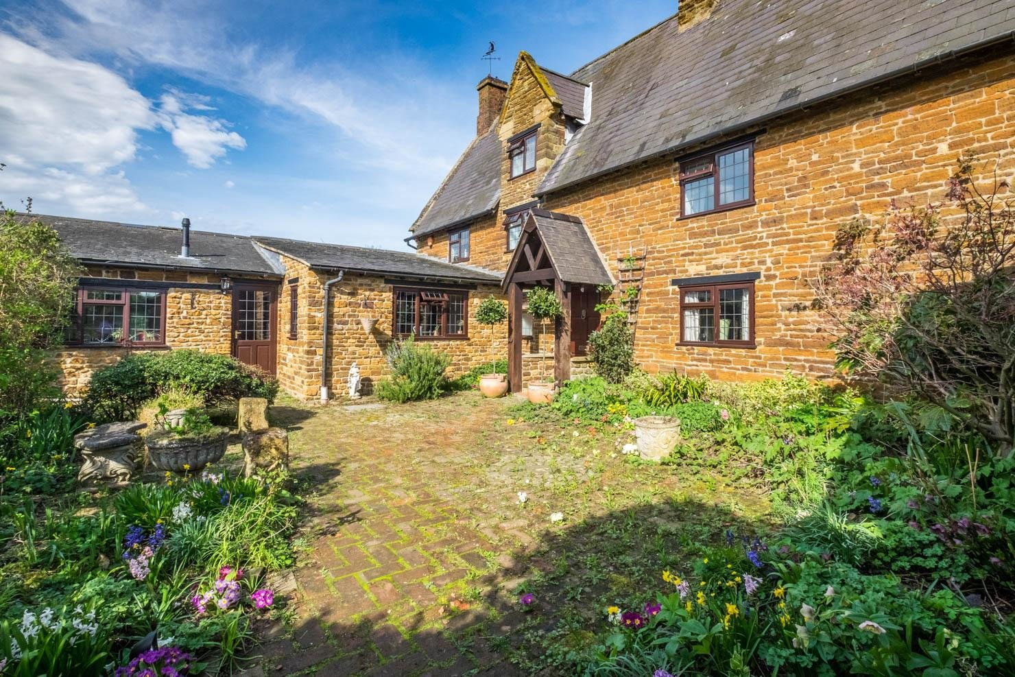 Best 5 Bedroom House For Sale In Northampton With Pictures
