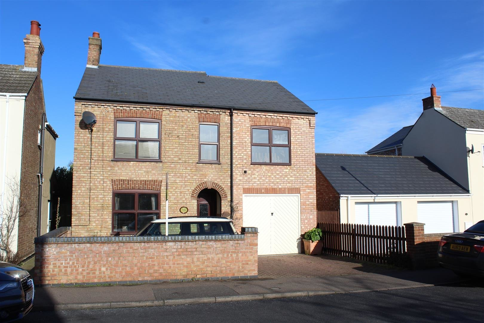 Best 4 Bedroom House For Sale In Peterborough With Pictures