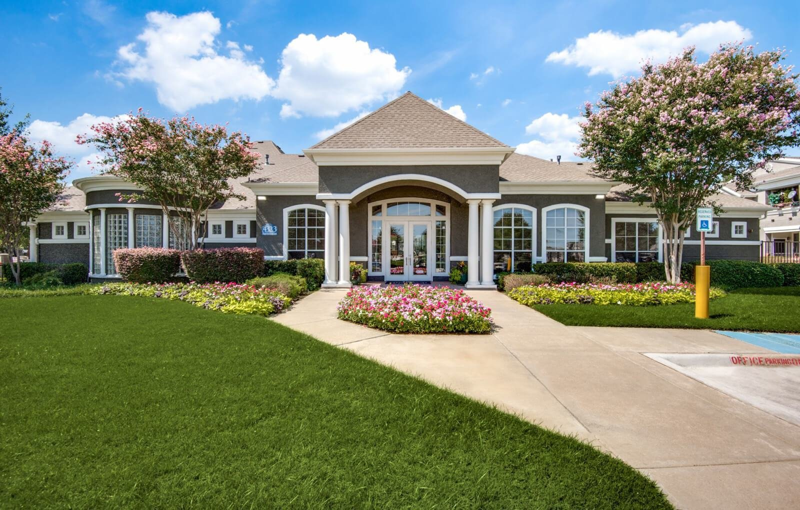Best The Reserve At Las Brisas Apartments Apartments In Irving With Pictures